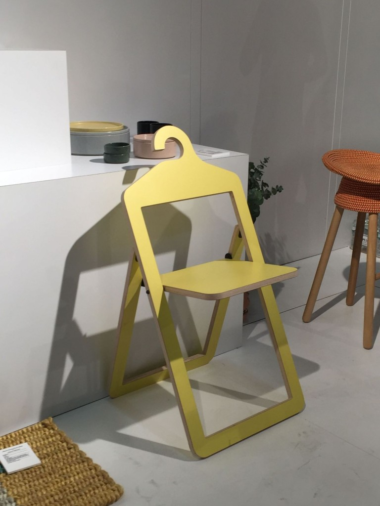 Yellow-Folding-Umbra-Chair